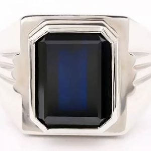 Men's 18K White Gold Ring With Inlaid 6.2 Carat Natural Sapphire