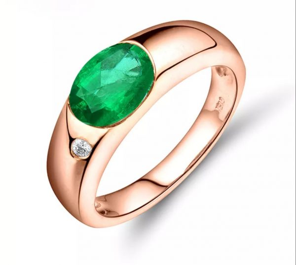18kt Natural Colombia Emerald Engagement Ring